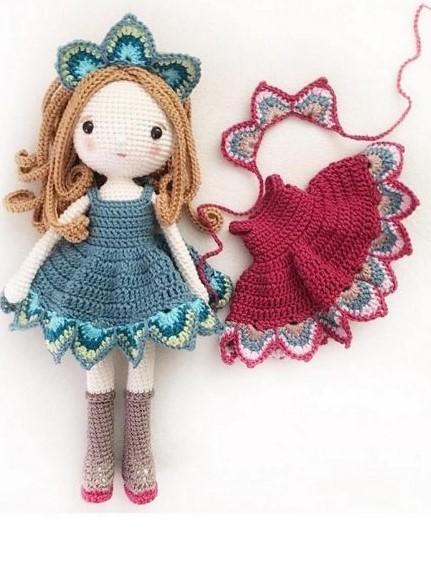 Amigurumi doll: Lady Peacock  -Patrón Crochet-